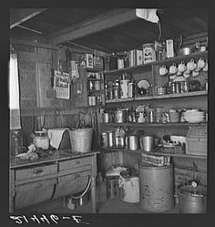 "Homesteading History Photo Collection Homesteading - The Homestead Survival .Com ""Please Share This Pin"" Old Kitchen, Vintage Kitchen, Mini Kitchen, Kitchen Stuff, Foyers, Dust Bowl, Great Depression, History Photos, Old Farm"
