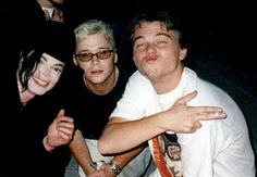 When he posed like an extremely cool dude with Michael Jackson. | 24 Times Leonardo DiCaprio Was A Total Badass