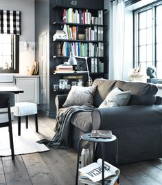 The Idemo black cover can take your EKTORP sofa from being a little bit country, to a bit more rock-n-roll.
