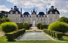 Beautiful Architecture, Architecture Details, Classical Architecture, Central Building, Chateau Versailles, Grand Homes, Paris France, Exterior, House Styles