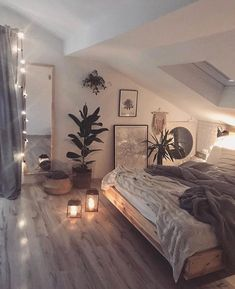 cozi homes on We are in love with this cozy bedroom! The low bed and the soft string lights give the room such a relaxing and cozy vibe. Room Ideas Bedroom, Bedroom Loft, Home Decor Bedroom, Attic Bedroom Ideas For Teens, A Frame Bedroom, Rustic Teen Bedroom, Living Room Ideas Low Budget, Cozy Teen Bedroom, Bedroom Ideas Master On A Budget