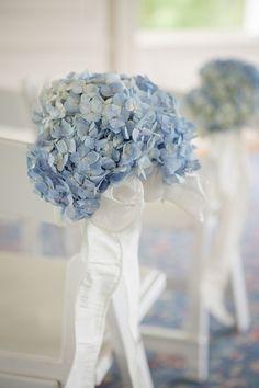 blue-wedding-flowers-virginia-wedding-Lelia-Marie-Photography.jpg (800×1200)