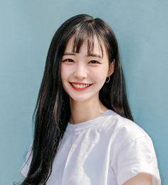 私は君のことを青い色くらい大好きだよ。 I like you as much as blue。 Cute Korean Girl, Asian Girl, Hair Streaks, Model Face, Grunge Hair, Girl Poses, Female Portrait, Ulzzang Girl, Aesthetic Girl