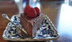 Raw Chocolate Fudge Cake - banana, coconut butter, cocoa, sweetener of choice #paleo #grainfree #glutenfree