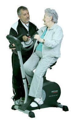 Especialista en Medicina del deporte y fisiología del ejercicio, controlando el entrenamiento aeróbico de una persona de la tercera edad. www.cor-san.com.mx Escribe tus dudas y con gusto te contestare. Dr. Roberto Serrano Hernandez