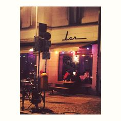 Berlin Bar . . . #Berlin #restaurant #home #saturday #bar #drink #cocktail #trip #airport #waitress #journal #spi_collective #spi_colour #colours #europe #travelblogger #travel #travelogue #postcard ##germany #gold #streetlook #streetphotography #photography #photo #image #late @berlinerpost @berlin @instaberlin_ @igersberlinofficial @berlin_gram @germanytourism @travelloapp @cntraveler @nikoneurope