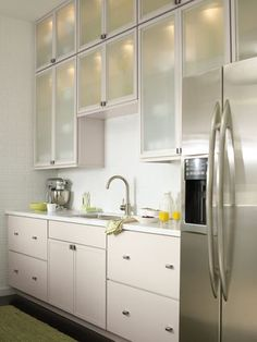 Love the frosted cabinets and lots of drawers.