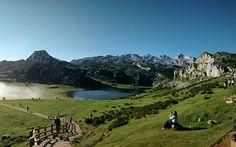 En #Instagram: Lagos de Covadonga  #España #viaje #trip #lake #nature #mountain #gorgeous #good #hiking #lifestyle http://ift.tt/2afNsOg
