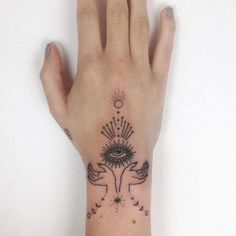 Hand Tattoos, 1000 Tattoos, Unique Tattoos, Beautiful Tattoos, Body Art Tattoos, Small Tattoos, Cool Tattoos, Tatoos, Wrist Hand Tattoo