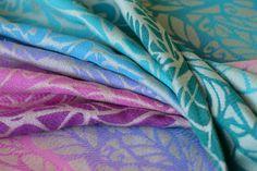 Solnce Genesis Tahiti 87% Egyptian cotton, 13% seaweed, 290 gr/m2, softweave size 7 - 340€, size 6 - 320€, size 5 - 300€, size 4 - 280, ring sling (210 cm short rail, light rose rings) - 230€