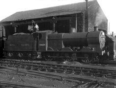 BR ex-LMS (MR design) Class 4F 0-6-0 44604 coaling up at Lancaster shed [27 September 1949]
