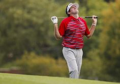 #BubbaWatson...CHERRY HILLS VILLAGE, CO - SEPTEMBER 07: Bubba Watson of the United States reacts to his approach shot on the 18th hole during the final round of the BMW Championship at the Cherry Hills Country Club on September 7, 2014 in Cherry Hills Village, Colorado.  (Photo by Doug Pensinger/Getty Images)