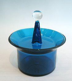 Harlekiini Glass Design, Design Art, Lassi, Pottery Art, Shades Of Blue, Finland, Modern Contemporary, Glass Art, Retro Vintage