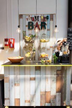 juicing bar,juicing on a budget,juicing for health,juicing weightloss Cafe Shop, Cafe Bar, Cafe Restaurant, Decoration, Art Decor, Home Decor, Juice Bar Design, Merci Paris, Smoothie Bar