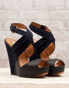 Simple+Classic+Black+Wedges+That+One+Should+Have+And+Should+Try+It+For+Formals+As+Well+As+For+Parties.