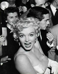 Afbeeldingsresultaat voor Marilyn Monroe photographer by Hans Knopf, 1956.