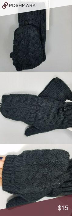 Under Armour UA L/XL Mitten Glove Black Under Armour size L/XL women's gloves are a must-have for winter! They feature a covered thumb, open finger covering, and optional mitten cover that buttons back when you're not using it. They're super soft and cozy while offering a full range of mobility. Under Armour Accessories Gloves & Mittens