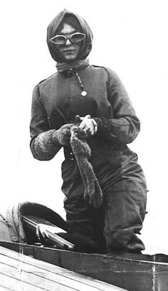 Harriet Quimby. First licensed female pilot in the US, 1911