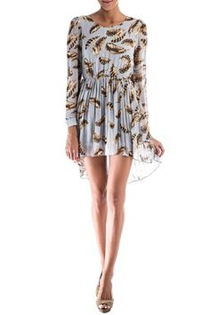 La marca Anonyme presenta en su colección siempre inspirada en la moda italiana ,Londinense y Parisina presenta este vestido con corte elástico en la cintura con manga larga y falda plisada.Incorpora forro para no transparentar. VESTIDO ANONYME de Anonyme @ www.miinto.es