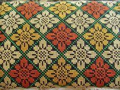 Cross Stitch Cushion, Cross Stitch Needles, Cross Stitch Rose, Cross Stitch Borders, Cross Stitch Flowers, Cross Stitch Designs, Cross Stitch Patterns, Loom Patterns, Cat Cross Stitches