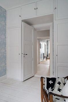 40 ideas bathroom closet furniture for 2019 Bedroom Closet Design, Home Bedroom, Bedroom Decor, Bedroom Ideas, Small Apartments, Small Spaces, Interior Design Living Room, Living Room Designs, Interior Livingroom