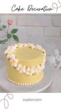 Cake Decorating Frosting, Cake Decorating Designs, Cake Decorating Techniques, Cake Decorating Tutorials, Cake Decorating Turntable, Buttercream Cake Designs, Simple Cake Designs, Barbie Cake, Summer Cakes