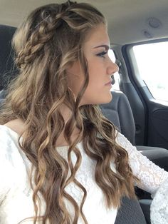 Homecoming hair hair styles homecoming, cute hairstyles for homecoming, braided homecoming hairstyles, prom Easy Homecoming Hairstyles, Formal Hairstyles For Long Hair, Easy Hairstyles For School, Diy Hairstyles, Natural Hairstyles, Hairstyles For Dances, Hairstyles 2018, Hairstyle Ideas, Hair For Homecoming