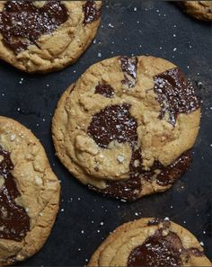 sea salted chocolate chip cookies, because you can't go past the classic cookie! Just Desserts, Delicious Desserts, Yummy Food, Delicious Cookies, Salted Chocolate Chip Cookies, Caramel Cookies, Yummy Treats, Sweet Treats, Biscuits