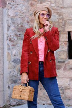 Miss trendy Barcelona: Blazer de pana Red Leather, Leather Jacket, Barcelona, Jackets, Vintage, Style, Fashion, Studded Leather Jacket, Down Jackets