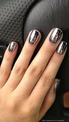 10 Stunning Chrome Nail Ideas To Rock The Latest Nail Trend: #2. Classic Chrome