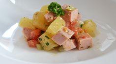 Rezept des Monats Januar   Birkenstocks deftiger Wurstsalat Birkenstocks, Feta, Cantaloupe, Veggies, Meals, Fruit, Salads, Food And Drinks, Food Food