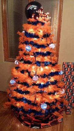 Denver Broncos Christmas Tree Please girlfriend! I need a broncos tree! Denver Broncos Baby, Broncos Gear, Denver Broncos Football, Go Broncos, Broncos Fans, Cincinnati Bengals, Broncos Memes, Broncos Logo, Football Stuff