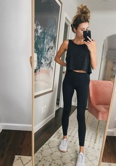 7 workout pieces you'll live in style спортивный стиль, спор Cute Workout Outfits, Workout Attire, Cute Outfits, Cute Legging Outfits, Casual Outfits, Winter Workout Outfit, Casual Athletic Outfits, Womens Workout Outfits, Casual Dresses