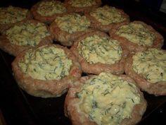 Hackfleisch-Nester mit Käse-Füllung aus dem Backofen
