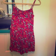 Floral romper Size small! No zip up and is stretchy in the back Other