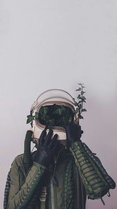 Image discovered by Find images and videos about aesthetic, green and wallpaper on We Heart It - the app to get lost in what you love. Tumblr Wallpaper, Galaxy Wallpaper, Screen Wallpaper, Cool Wallpaper, Wallpaper Backgrounds, Leaves Wallpaper, Hipster Wallpaper, Trippy Iphone Wallpaper, Orange Wallpaper