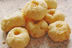 Kokosmürbchen 35 Snacks, Doughnut, Christmas Cookies, Deserts, Muffin, Xmas, Sweets, Fruit, Breakfast