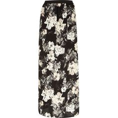 River Island Black floral print maxi skirt (115 BRL) ❤ liked on Polyvore featuring skirts, bottoms, maxi skirt, saias, black, sale, women, black floral maxi skirt, long black floral skirt and floral print maxi skirt