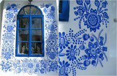 Anežka Kašpárková skrášľuje steny domov a kostolov na Morave