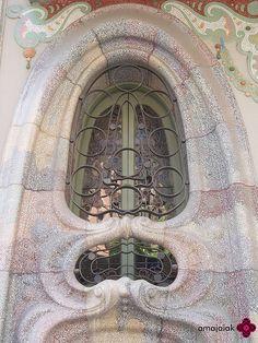CASA COMALAT C/ Córsega 316, Barcelona Arquitecto: Salvador Valeri i Pupurull Año: 1911