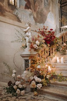 creative home ideas Wedding Staircase, Floral Wedding, Wedding Flowers, Wedding Ceremony, Wedding Venues, Dream Wedding, Wedding Day, Flower Installation, Design Floral