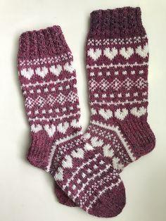 Knit Or Crochet, Crochet Crafts, Fair Isle Knitting Patterns, African Flowers, Warm Socks, Boot Socks, Knitting Socks, Mittens, Christmas Stockings
