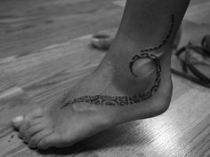 35 Small Cute Foot Tattoo Ideas for Women - Sexy and Creative