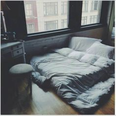 A floor bed?^ okay maybe not forever but you know. While we settle in and stuff? Dream Rooms, Dream Bedroom, Home Bedroom, Bedroom Decor, Indie Bedroom, Bedroom Setup, Master Bedroom, My New Room, My Room