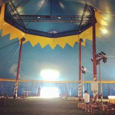 L'interno del grande circo