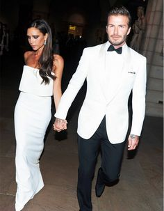 The most stylish celebrity couple, Victoria and David Beckham! Future Goals :D Victoria And David, David And Victoria Beckham, Victoria Beckham Style, David Beckham, Spice Girls, Celebrity Couples, Celebrity Style, Posh And Becks, The Beckham Family
