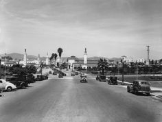 Driving into Westwood Village in 1937. (Bizarre Los Angeles)