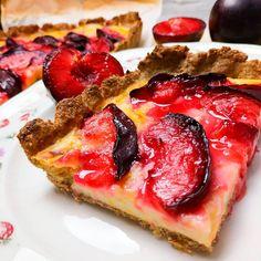 """1,609 Me gusta, 21 comentarios - Dieta sana con nutricionistas (@corporissanum) en Instagram: """"Hoy os hemos preparado esta tarta de ciruelas!! 😋Exquisita y saludable, además ideal para disfrutar…"""" Vegetable Pizza, French Toast, Vegetables, Breakfast, Instagram, Food, Plum Tart, Figs, Pound Cake"""