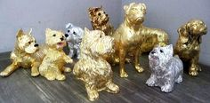 Dogs sculptures gold by Bea Bohl artist from Berlin