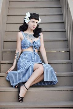Sexy casual vintage style Punk Rock Outfits, Pin Up Outfits, Cute Outfits, Fashion Outfits, Emo Outfits, Fashion Boots, Rockabilly Pin Up, Rockabilly Fashion, Rockabilly Outfits